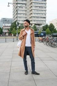 Steven, Alexanderplatz (vor dem Haus des Reisens)